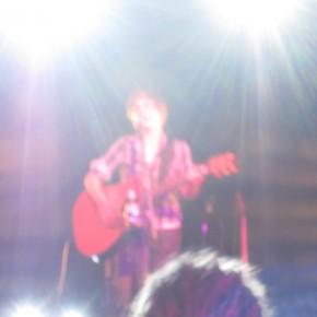Auch mit den Bühnenscheinwerfern wurde das Publikum geblendet