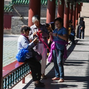 Knitting at the temple of heaven