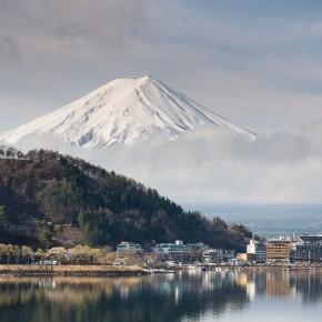 Fuji und einer der 5 umliegenden Seen